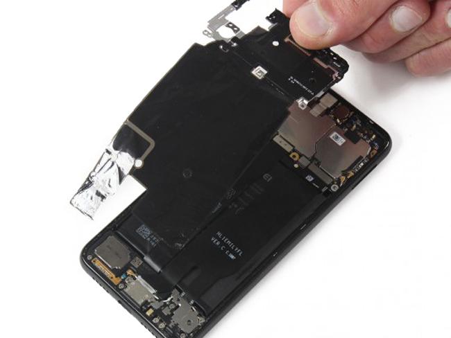 Hướng dẫn chi tiết cách tự thay thế pin Huawei P20