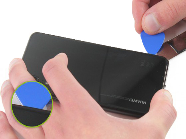 - Dùng iSesamo tư từ vào phía hông điện thoại